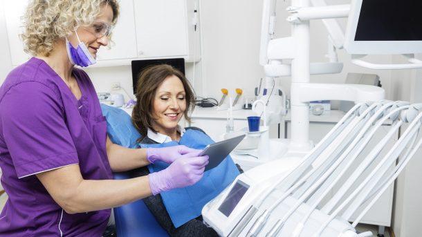 Dentist explaining the procedure