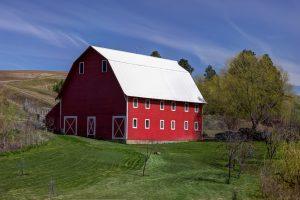 a barn in a farm
