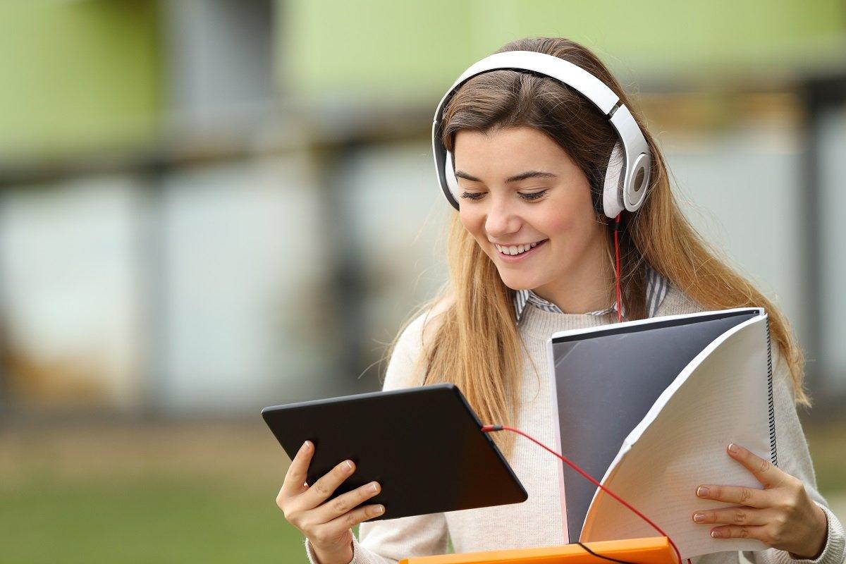 girl listening audio