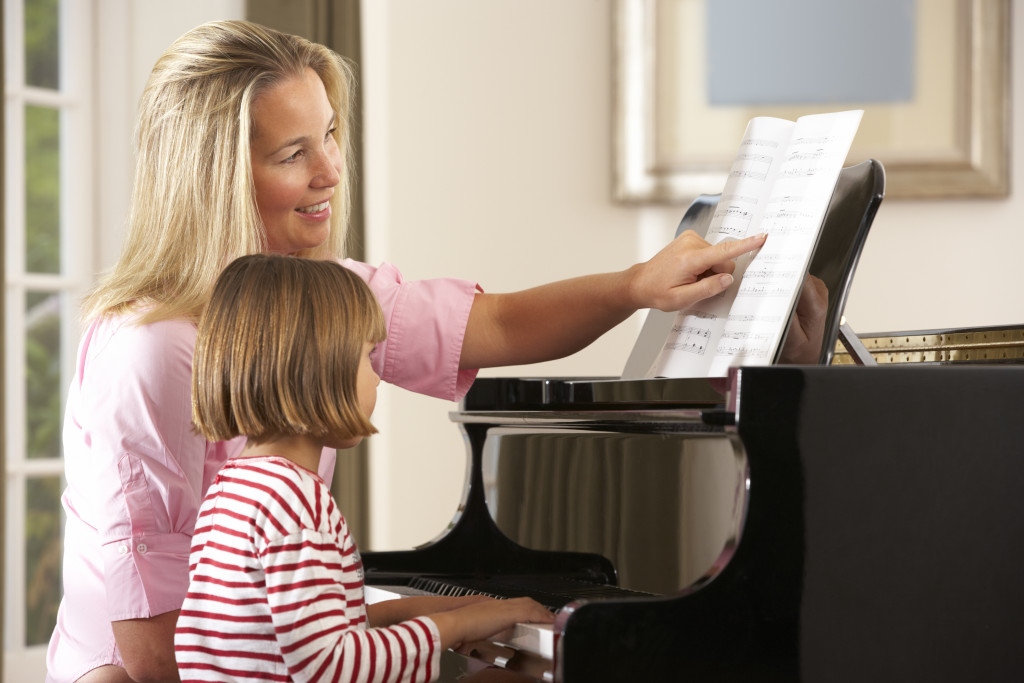 teaching piano lessons