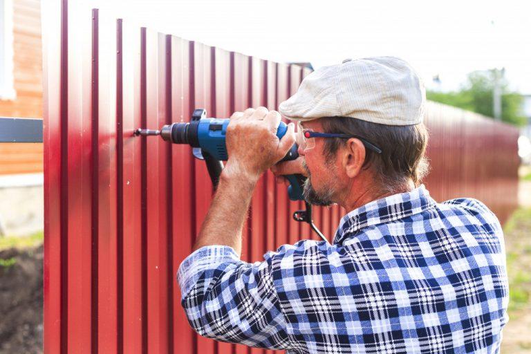 installing fences