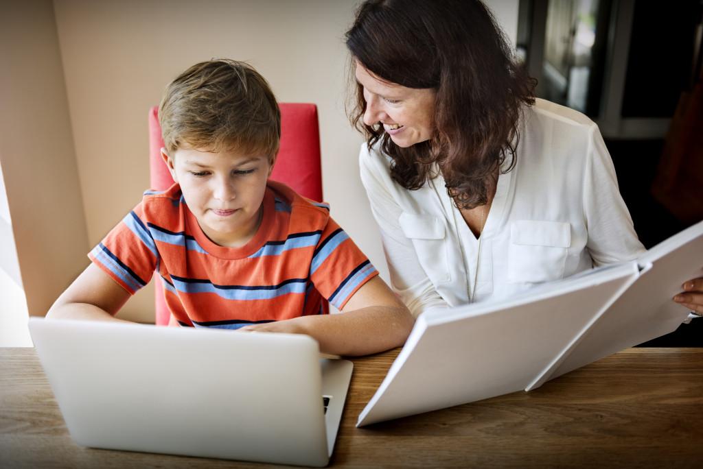 mother tutoring