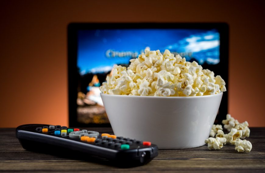 Building a Home Entertainment Center? 5 Ways to Get It Right